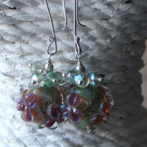 flower lampwork clare earrings2