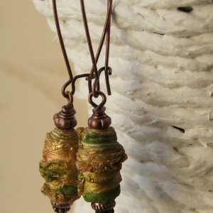 green texture earrings2