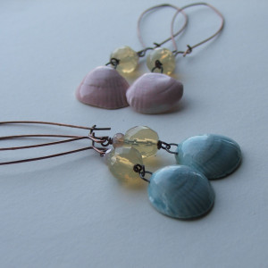 artwave blue and pink shell earrings1